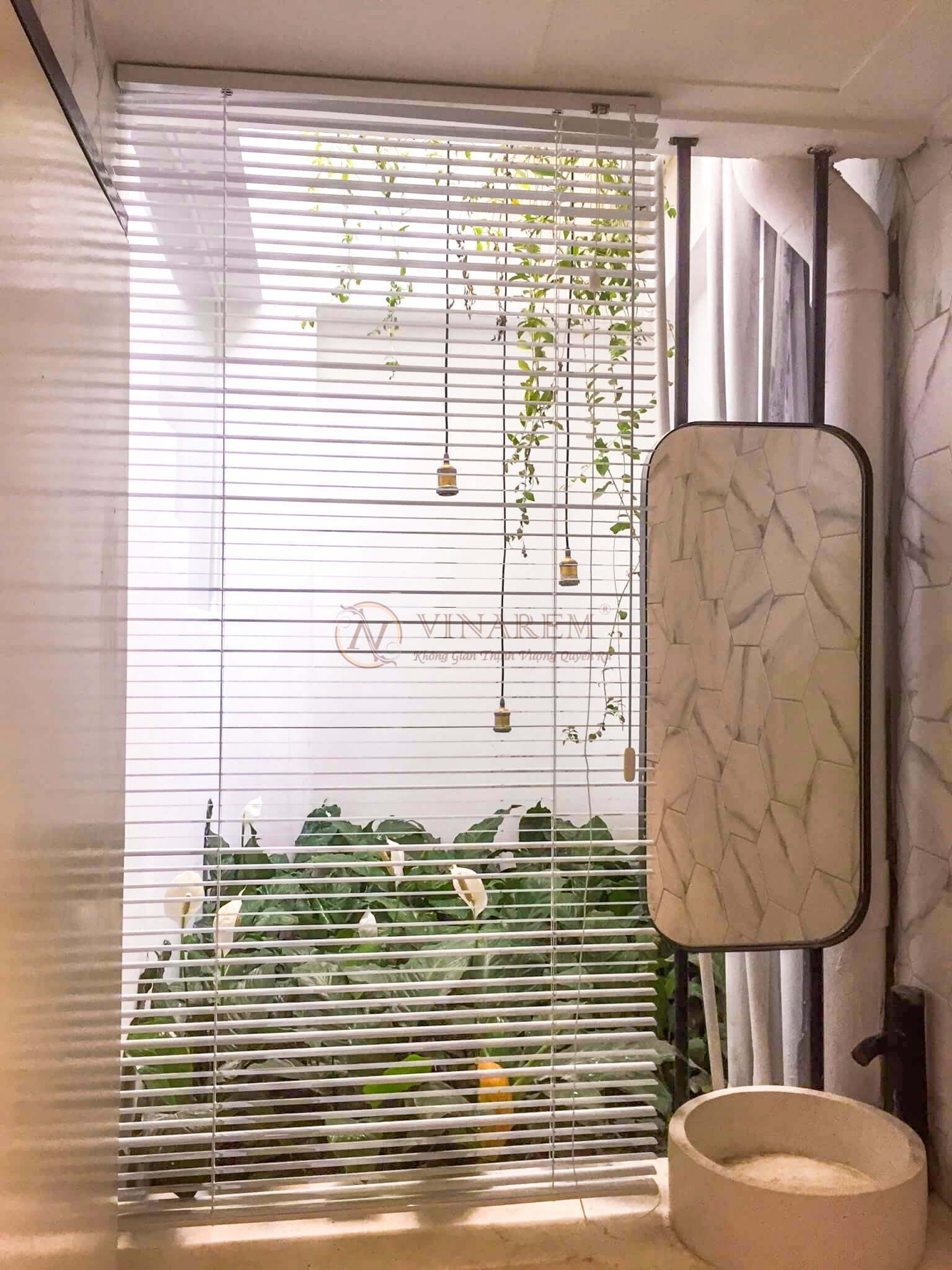 Rèm sáo nhôm cửa sổ nhà phố | Vinarem