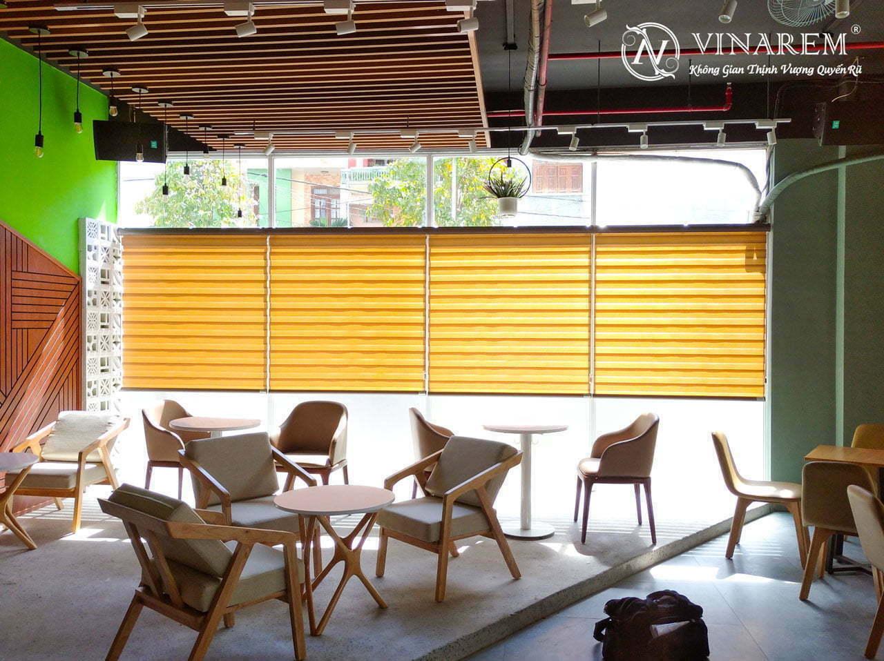 Rèm cầu vồng cao cấp cho quán cà phê | Vinarem