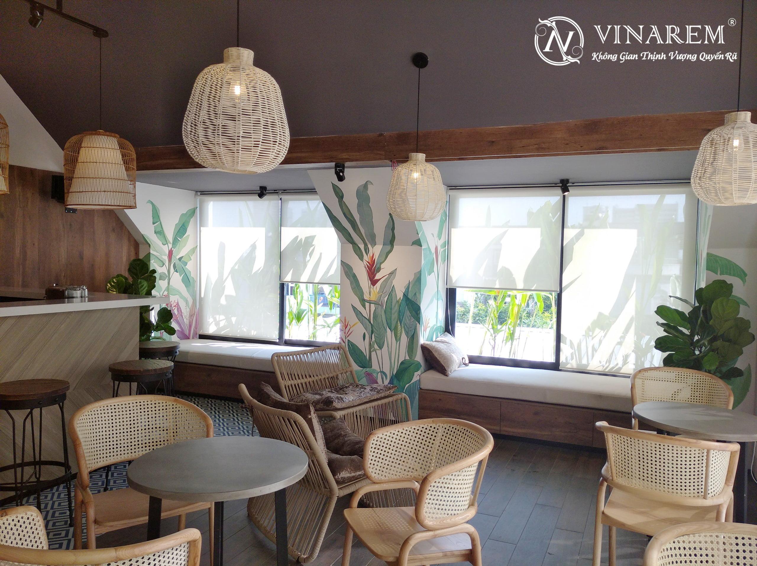 Rèm cuốn màu trắng sang trọng dành cho quán cà phê hiện đại | Vinarem
