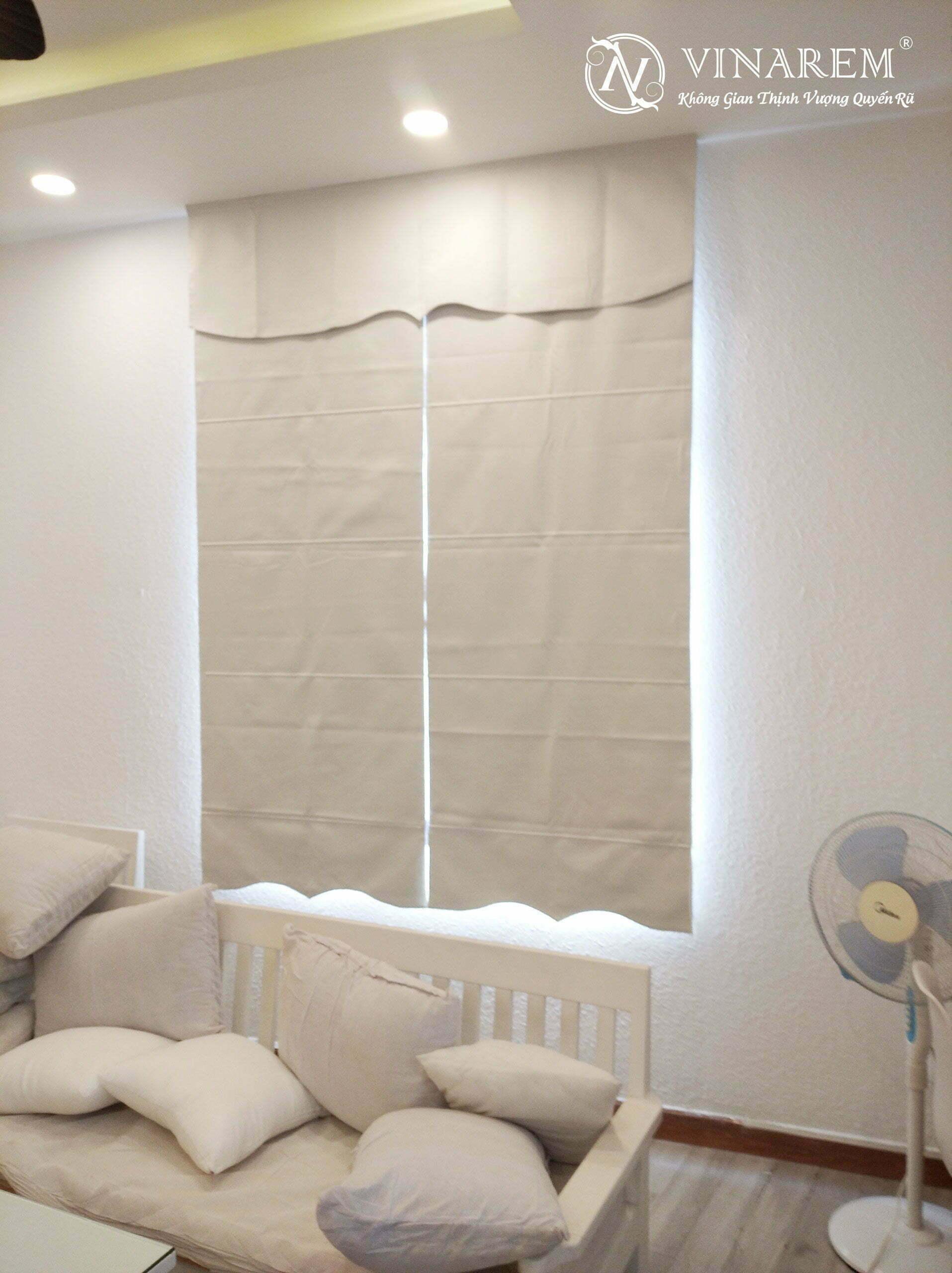 Rèm roman màu trắng cho cửa sổ   Vinarem