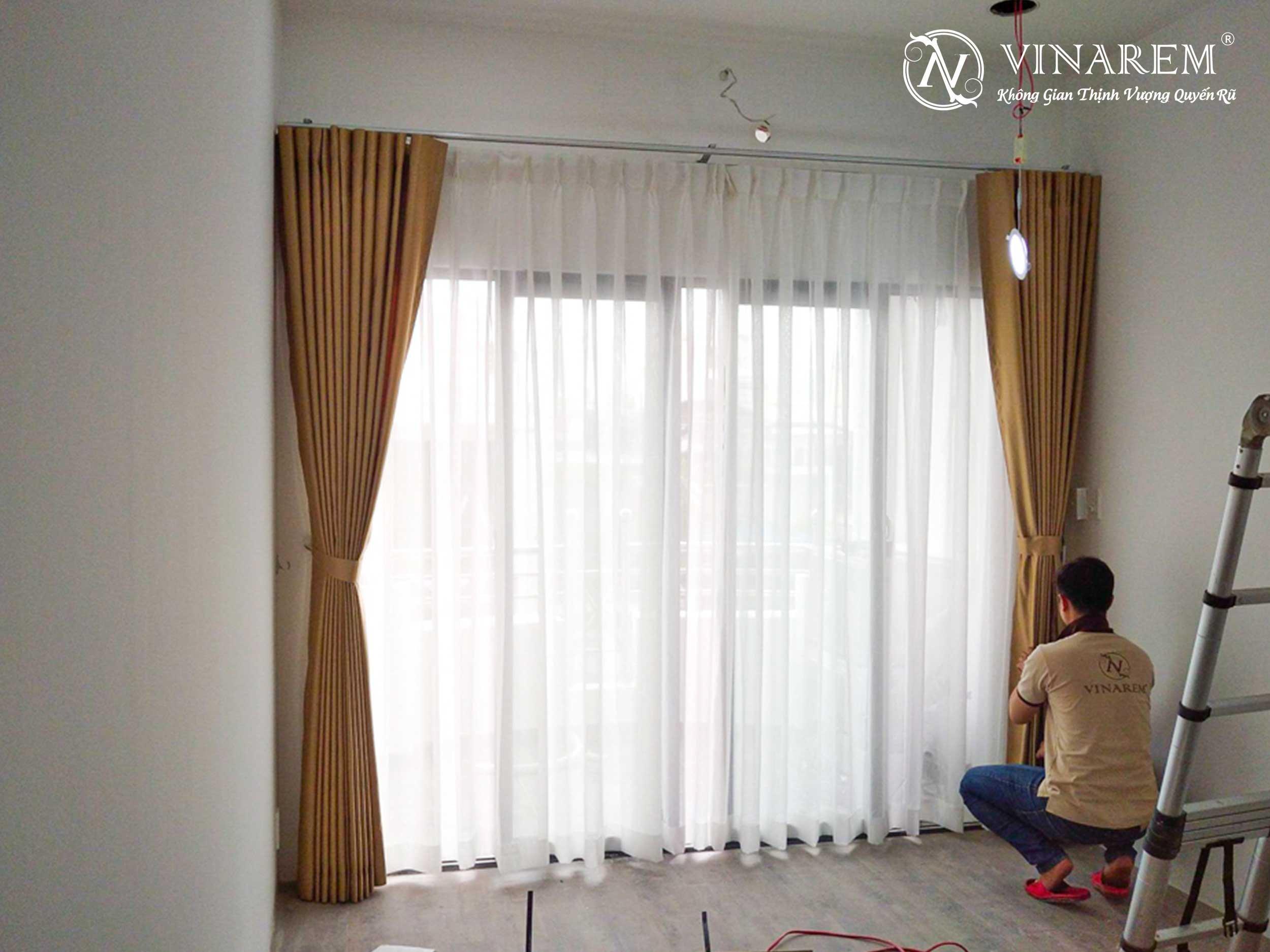 Rèm vải một lớp cao cấp màu vàng cho căn hộ chung cư | Vinarem
